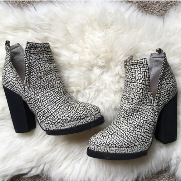 dcfa87b0c4ddf Jeffrey Campbell Shoes - Jeffrey Campbell Who s Next Leather Bootie