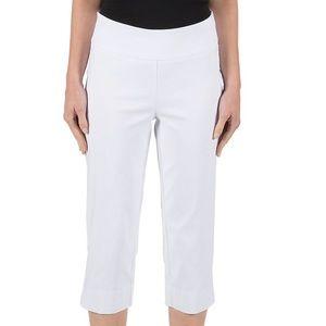 Larry Levine Pants - Larry Levine white Capri pants NWT