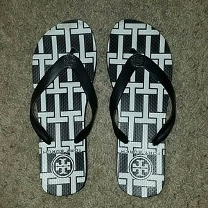 Tory Burch Shoes - Tory Burch black and white flip flops