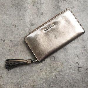Stella & Dot Handbags - Stella & Dot Mercer Pewter Tassel Wallet