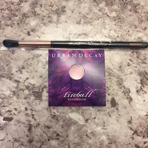 Urban Decay Fireball Eyeshadow Sample& Skone Brush