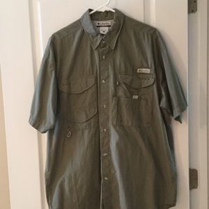 Columbia Other - Men's olive green shirt