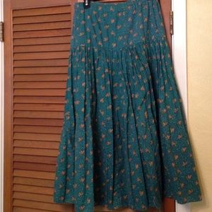 Dresses & Skirts - Green Broomstick Skirt