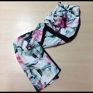 White House Black Market Pants - WHBM Floral Black Stripe Joggers - XS