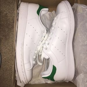 Adidas Shoes - Green Stan Smiths