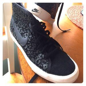 Nike Women's Primo Court Suede Leopard design
