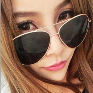 Accessories - ❤️ Black trendy sunglasses.