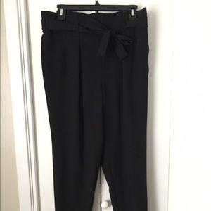 Belle Sky Pants - Tie-waist black ankle pants