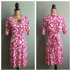 Donna Morgan Dresses & Skirts - Donna Morgan size 12 pink/white faux wrap dress!