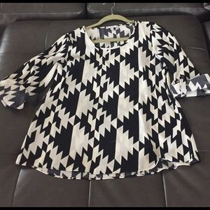 Moa Moa Tops - 3/4 length sleeve black and white printed top