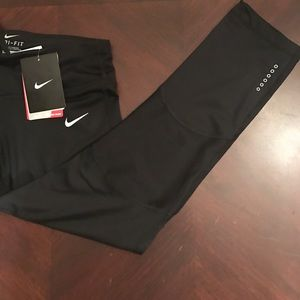 Nike Pants - Nike dry fit cropped  leggings