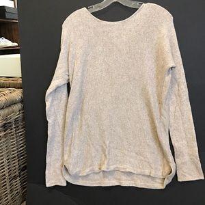 Mid length thin sweater