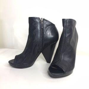 Belle by Sigerson Morrison Shoes - Open Toe Booties by Belle Morrison. Size 6.