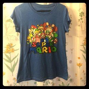 Nintendo Tops - Super Mario tee-shirt!
