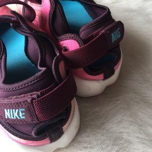 4954037a339 Nike Women's Air Rift PRM QS Size 8 NWT