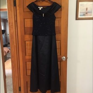 Patra Dresses & Skirts - Sexy shiny navy long gown