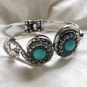 Jewelry - boho hippie turquoise stone bracelet