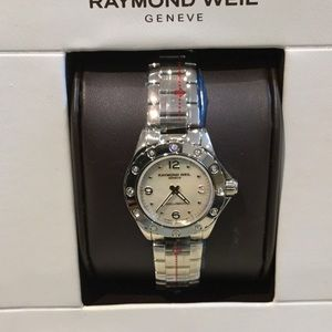 Raymond Weil Accessories - Gorgeous women's Raymond Weil diamond watch