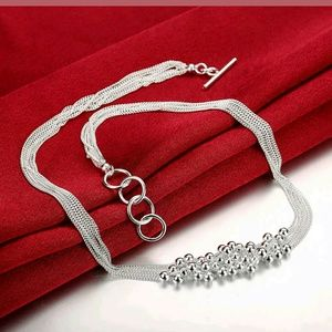 Jewelry - Bundle of Beads Necklace