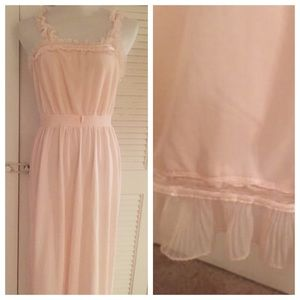 Vintage Soft Pink Super Adorable Nightgown!