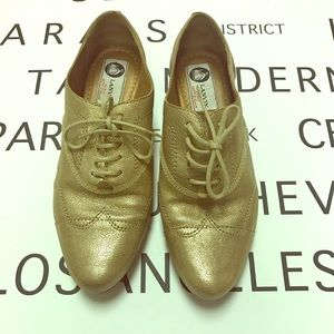 Lanvin Shoes - Lanvin Gold Leather Lace Up Loafers