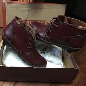PIKOLINOS Shoes - Pikolinos short boots- burgundy. Brand new in box!