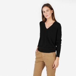 Everlane Sweaters - Everlane V-Neck cashmere sweater