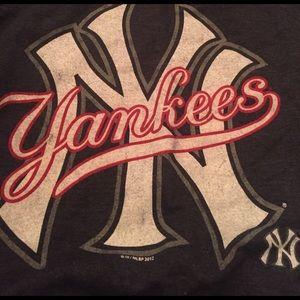 Sweaters - New York Yankees sweatshirt! :)