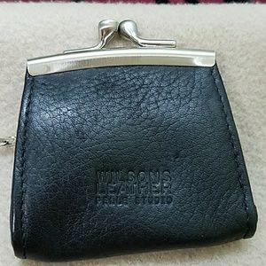 Wilsons Leather Handbags - Vintage Wilson leather change purse❣️
