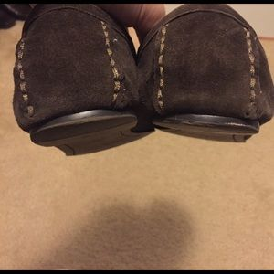 ruby & bloom Shoes - Ruby & Bloom brown suede flower mocs size 7.5