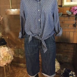 Lee Pants - Lee Bermuda shorts and Black Rain top