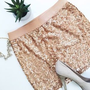 Forever 21 Dresses & Skirts - ⚡️⚡️Rose Gold sequin skirt