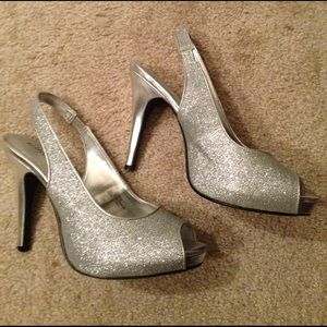 Kelly & Katie Shoes - Silver sparkle heels