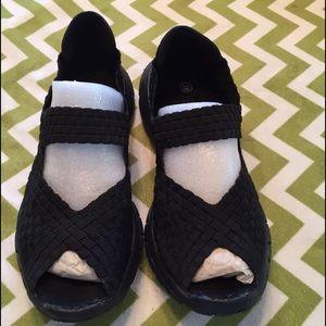 bernie mev. Shoes - Bernie Mev Comfy Black Shoe