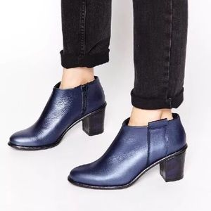 Miista Shoes - MIISTA Anais metallic blue low cut Ankle Boots. 36