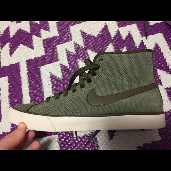 nike casual mid ankle shoes boots for women Nike Air Zoom Hayward 3 ... 290807024e