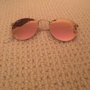 rose gold round Ray Ban sunglasses