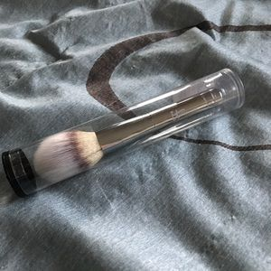 IT Cosmetics Other - 💕IT Cosmetics Makeup Powder Brush💕
