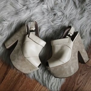 Topshop Shoes - Topshop Cream Platform Heels Size 39 US 8