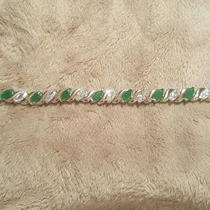 Jewelry - NWOT - Grn/Wte Sapp. in 14k WGP bracelet