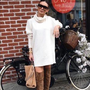 Lulu's Dresses & Skirts - Cream Long Sleeve Dress