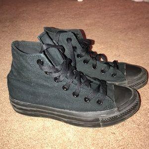 Converse Shoes - All black converse