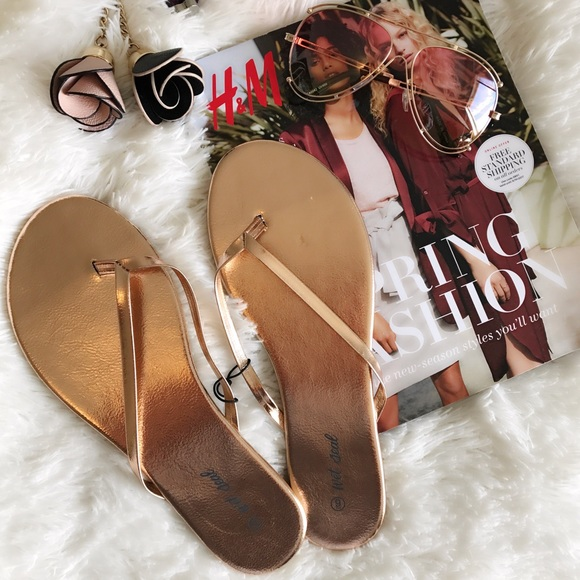 0d65b33a1dc39 NEW 🐚 ROSE GOLD SLIM FLIP FLOPS