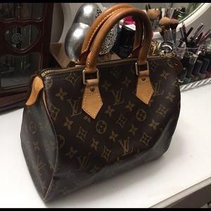 Louis Vuitton Handbags - Louis Vuitton Speedy 25 Monogram
