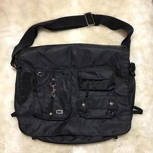 GUESS Messenger   Laptop Bag, Black Vinyl