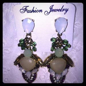 Jewelry - Beautiful Fashion Earrings!!!
