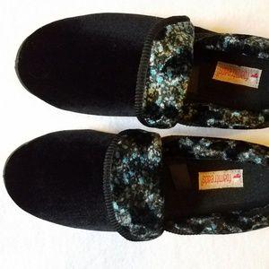 Foamtreads Shoes - Foamtreads Sappor Velvety Plush Women Slipper NWOT