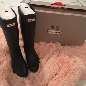 Brand. New hunter rain boots