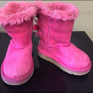 UGG Other - Ugg Bow boots
