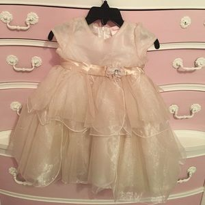 Nanette Baby Other - Gorgeous like new gold dress